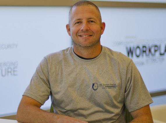 Male internet technician wearing grey tshirt